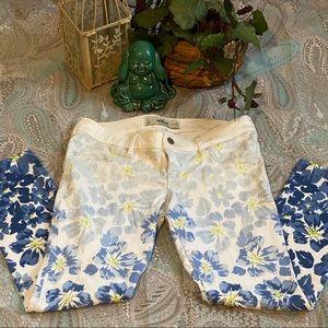 Hollister Jeans Size 5 Waist 27